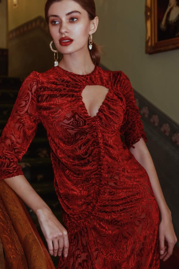 NCM Bähr Ophelia Designer Kleid Samt dunkelrot mit Raffung