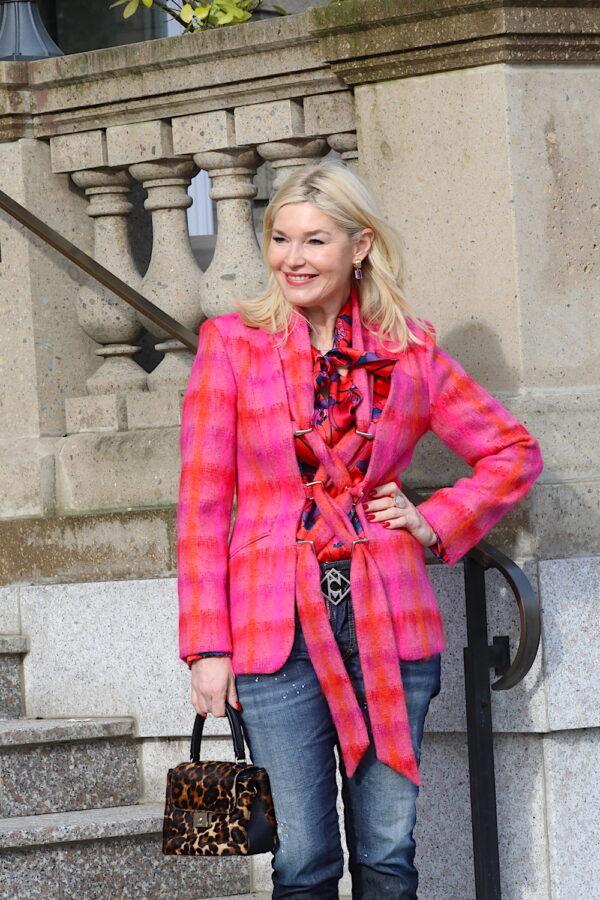 Petra Dieners Lieblingsstil gesehen in Blazer pink